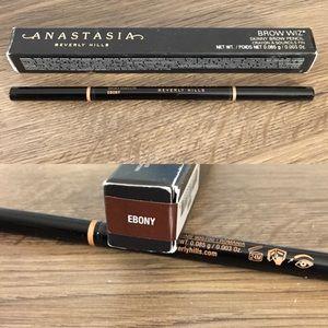 Anastasia Beverly Hills Makeup - 🆕 Makeup Deal ➡️ 2 for 30$ 🛍 Ebony brow wiz